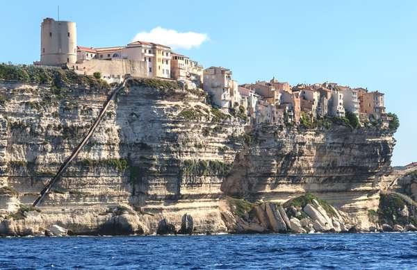 DOSSIER. L'amour 2.0 en Corse